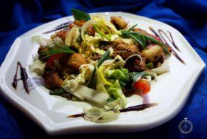 salat s moreproduktami korporativnoepitanie fortunacatering