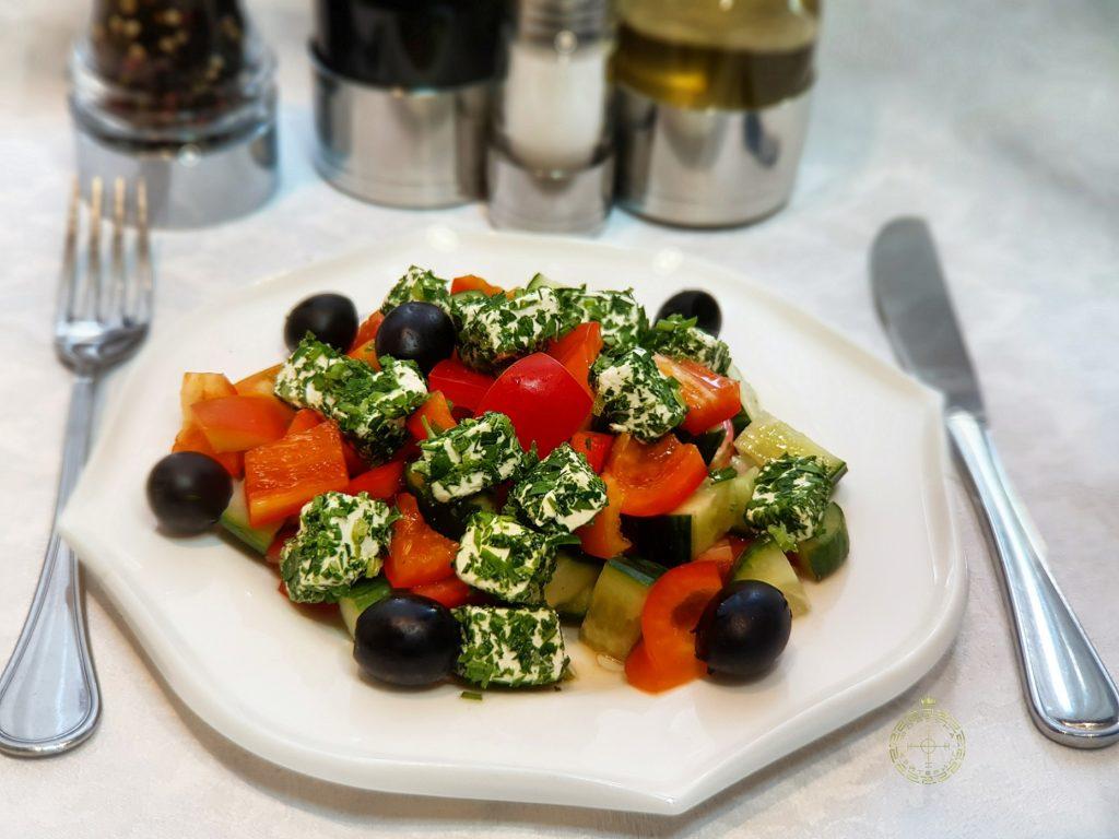 grecheskij salat korporativnoepitanie fortunacatering